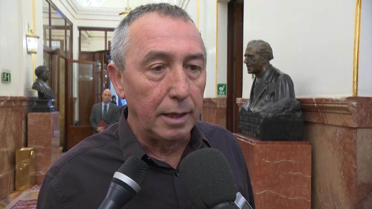 Compromís reitera su apoyo a Sánchez, pero cuestiona que no quiera negociar la moción y le pide «un poco de humildad»