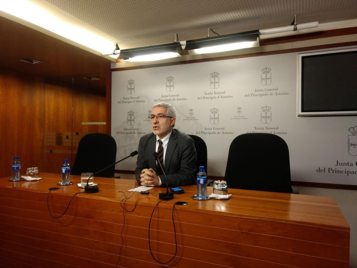 Llamazares (IU) considera que el PSOE ha de negociar su moción para evitar que «se quede en un gesto»