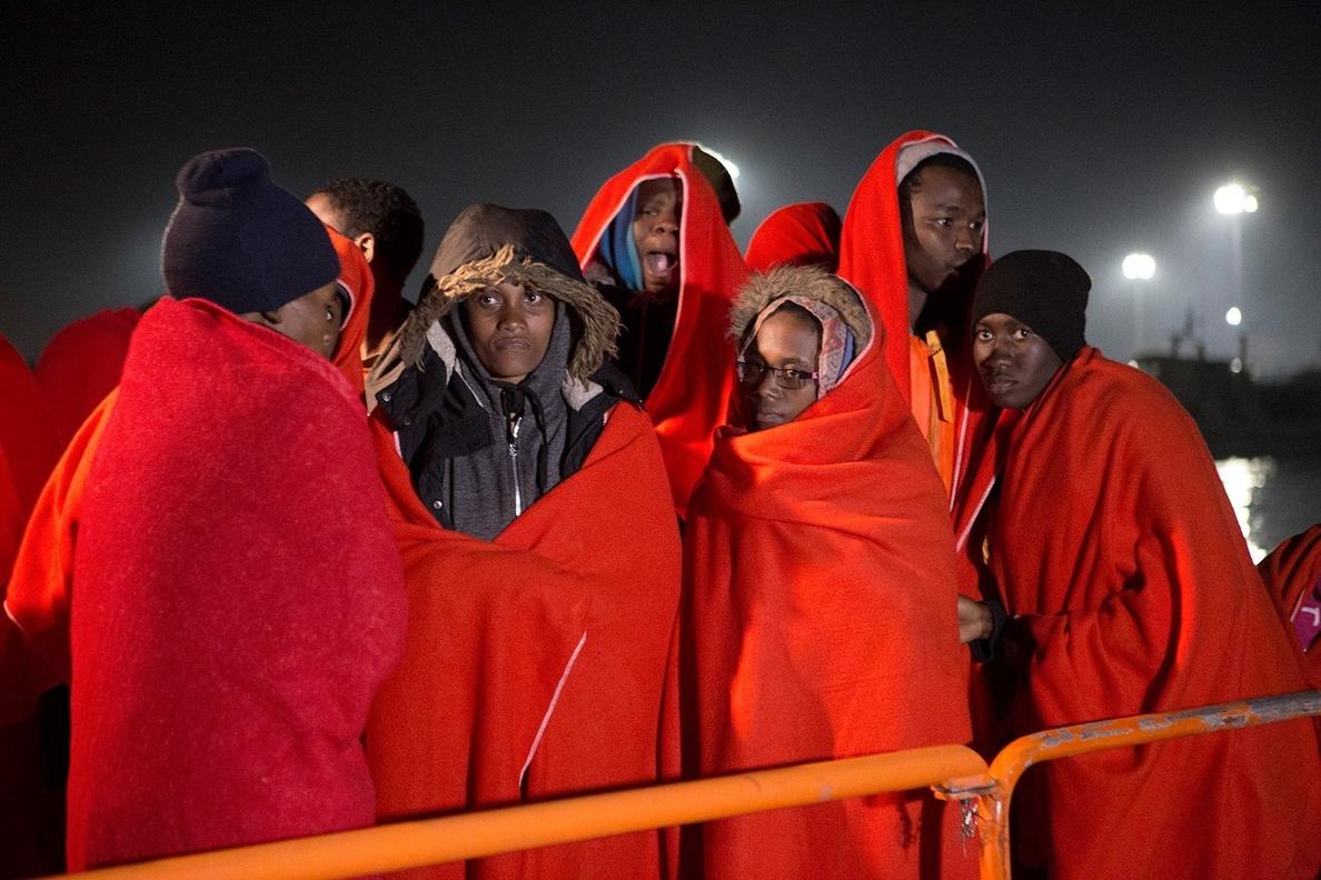 Más de 500 personas han llegado este fin de semana a España en patera