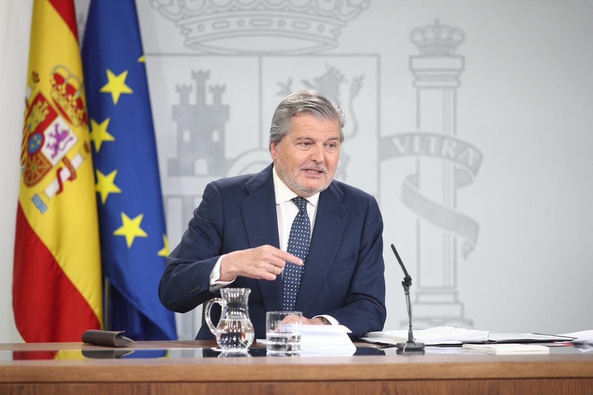 Méndez de Vigo: «Rajoy no dimite porque cree que lo que necesita España es estabilidad»