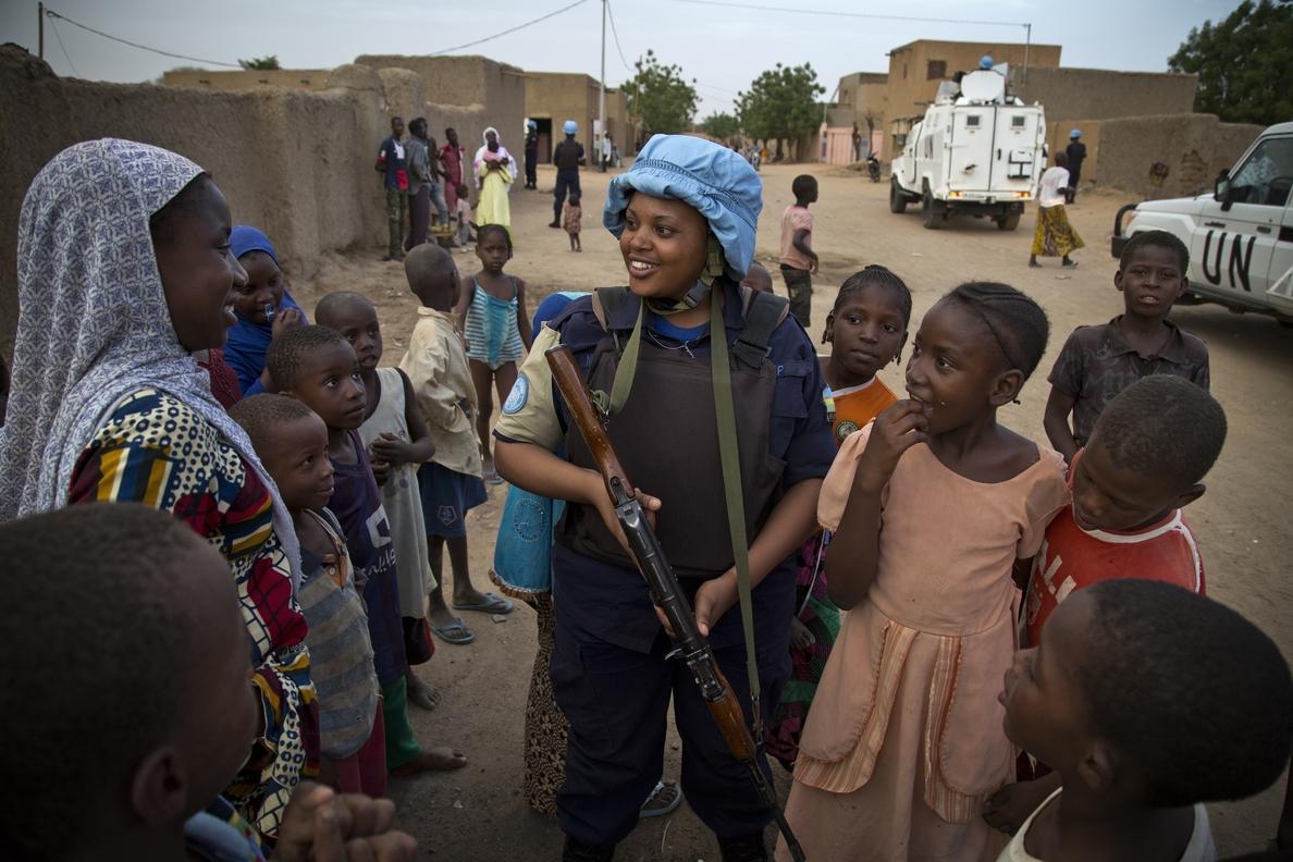 La ONU pide una mayor presencia de mujeres en sus misiones de paz en el mundo