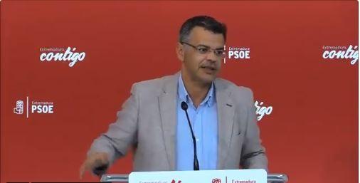El PSOE de Extremadura defiende que la moción de censura «de la decencia» busca «recuperar la dignidad en este país»