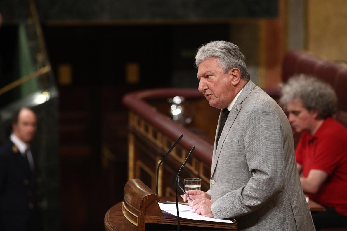 Quevedo (Nueva Canarias) apoyará al PSOE si gobierna con los presupuestos del PP, no para convocar elecciones