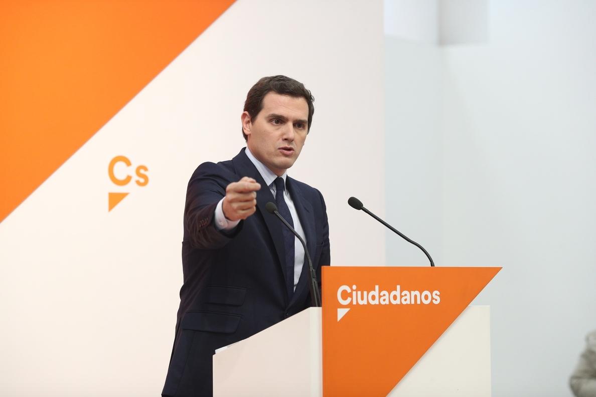 Rivera ofrece a Rajoy pactar la convocatoria de elecciones en otoño o apoyaría una moción con un candidato independiente