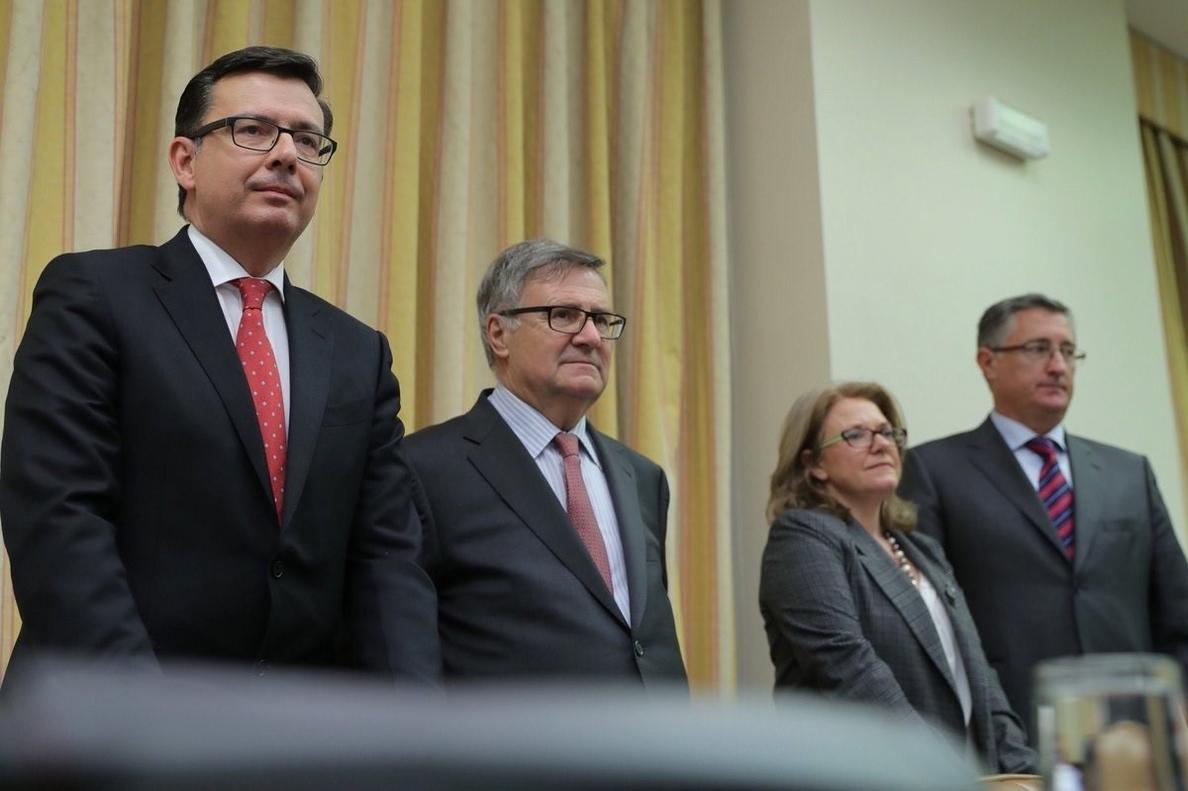 (AM)PSOE y Unidos Podemos censuran que Rajoy proponga al sustituto de Linde a 48 horas de la moción de Sánchez