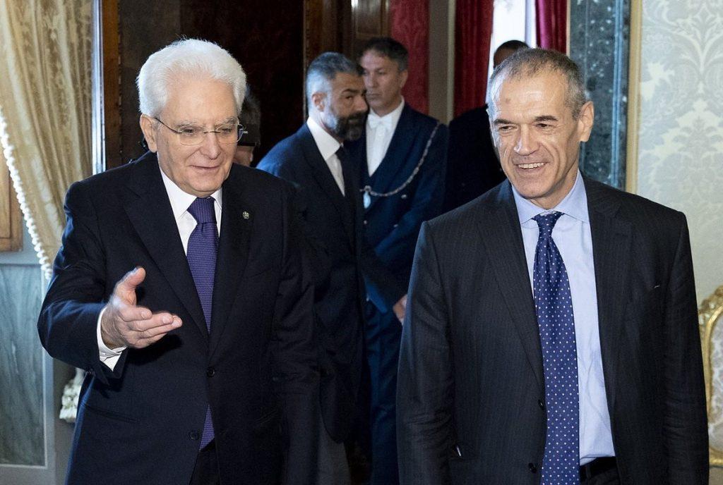 Cottarelli presenta esta tarde a Mattarella su Gobierno, en el que podría asumir Economía