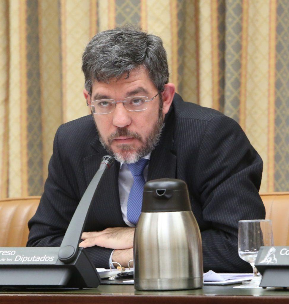 Hacienda dice que los ingresos crecen más de lo presupuestado y que los PGE reducirán el déficit al 2,2%