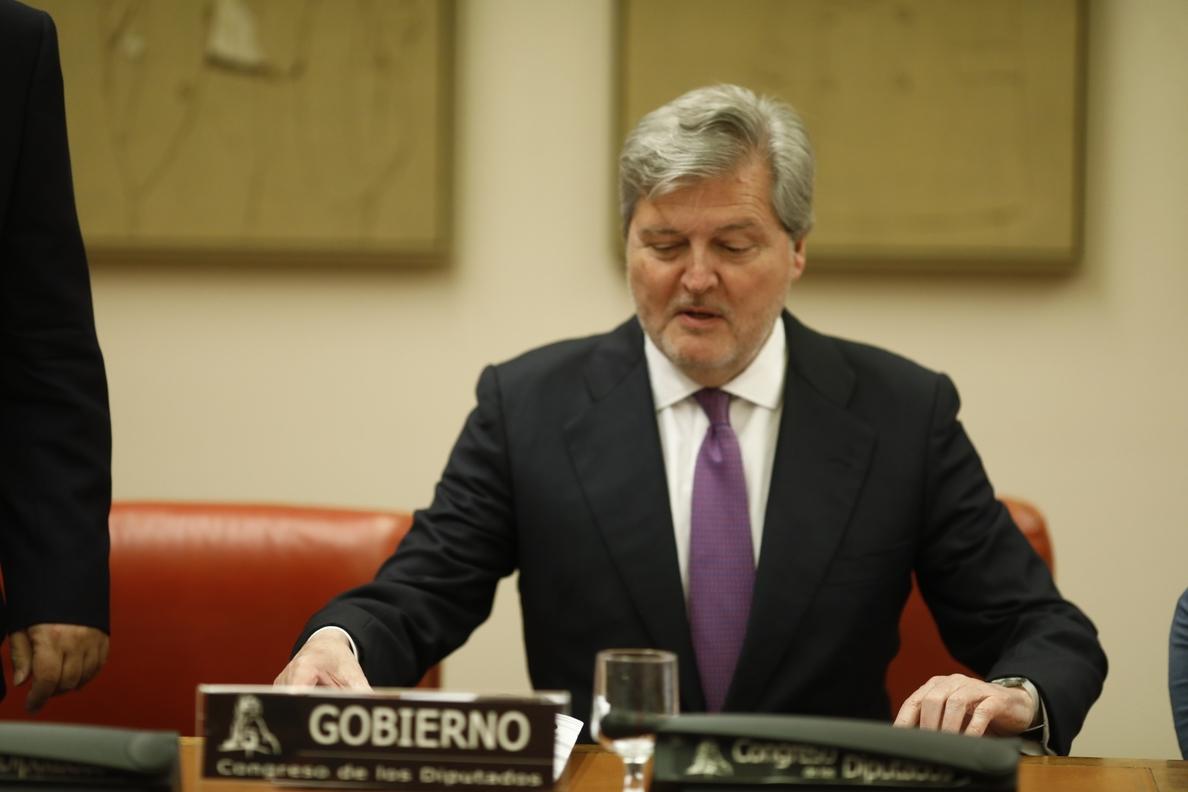 Méndez de Vigo admite que «aritméticamente es posible» que gane la moción de censura, pero con un Gobierno Frankenstein