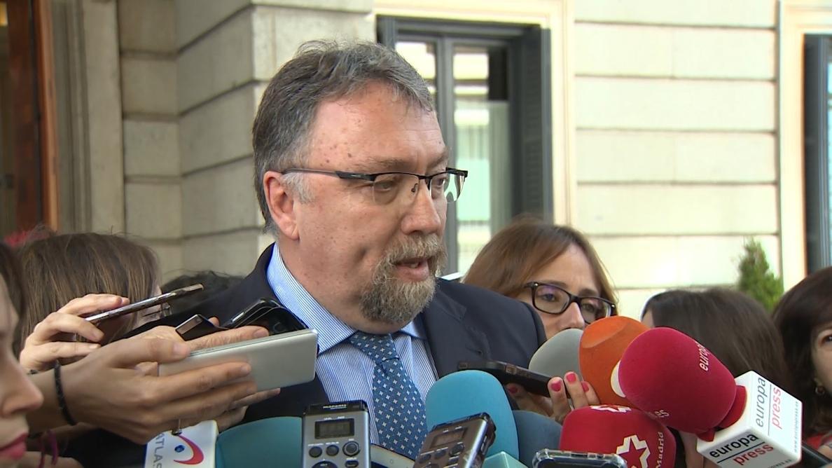 Oblanca (Foro) afirma que la prioridad para los asturianos es la aprobación de los PGE y no la moción de censura