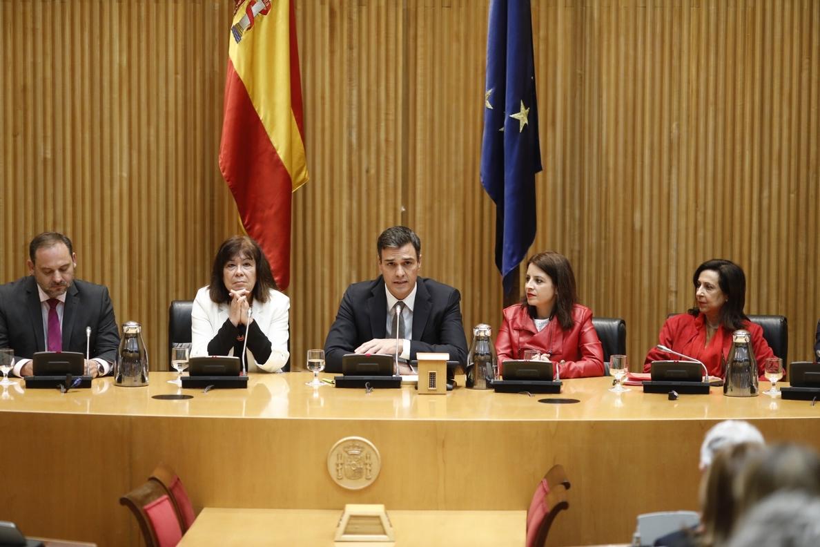 El PSOE enmarca en la cortesía parlamentaria los contactos de Sánchez para la moción