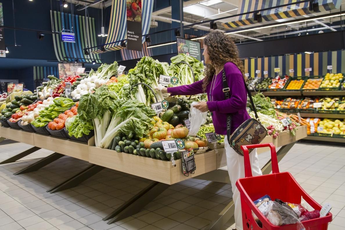 (AMP) Las ventas del comercio minorista moderan su avance en abril hasta el 0,7%