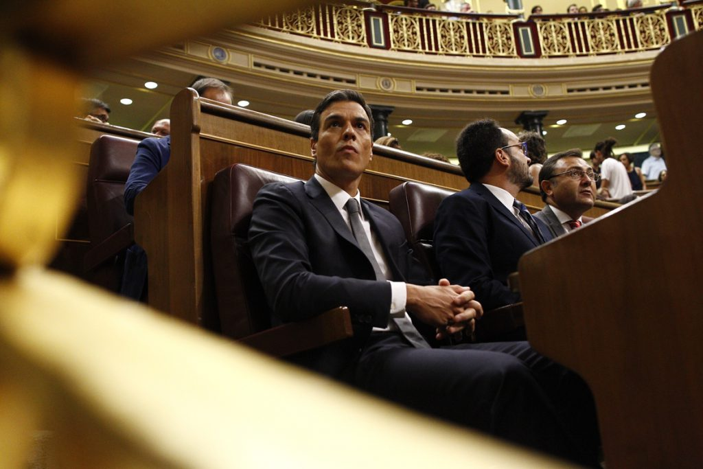 Ábalos abrirá mañana el debate de la moción de censura contra Rajoy, la segunda de esta legislatura y la más incierta