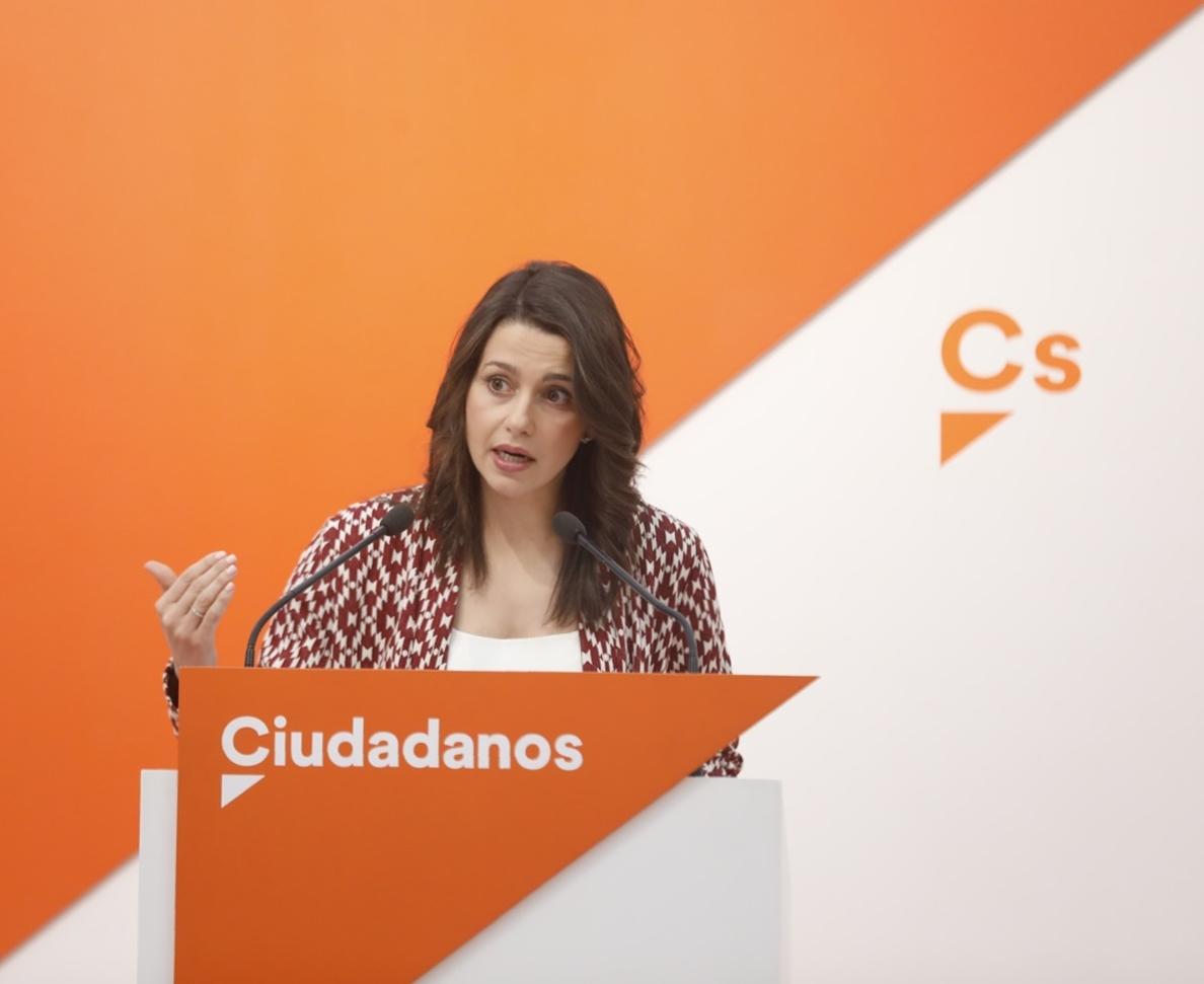 Arrimadas cree que el «mejor escenario» es que Rajoy comprometa anticipo electoral y Sánchez retire así su moción