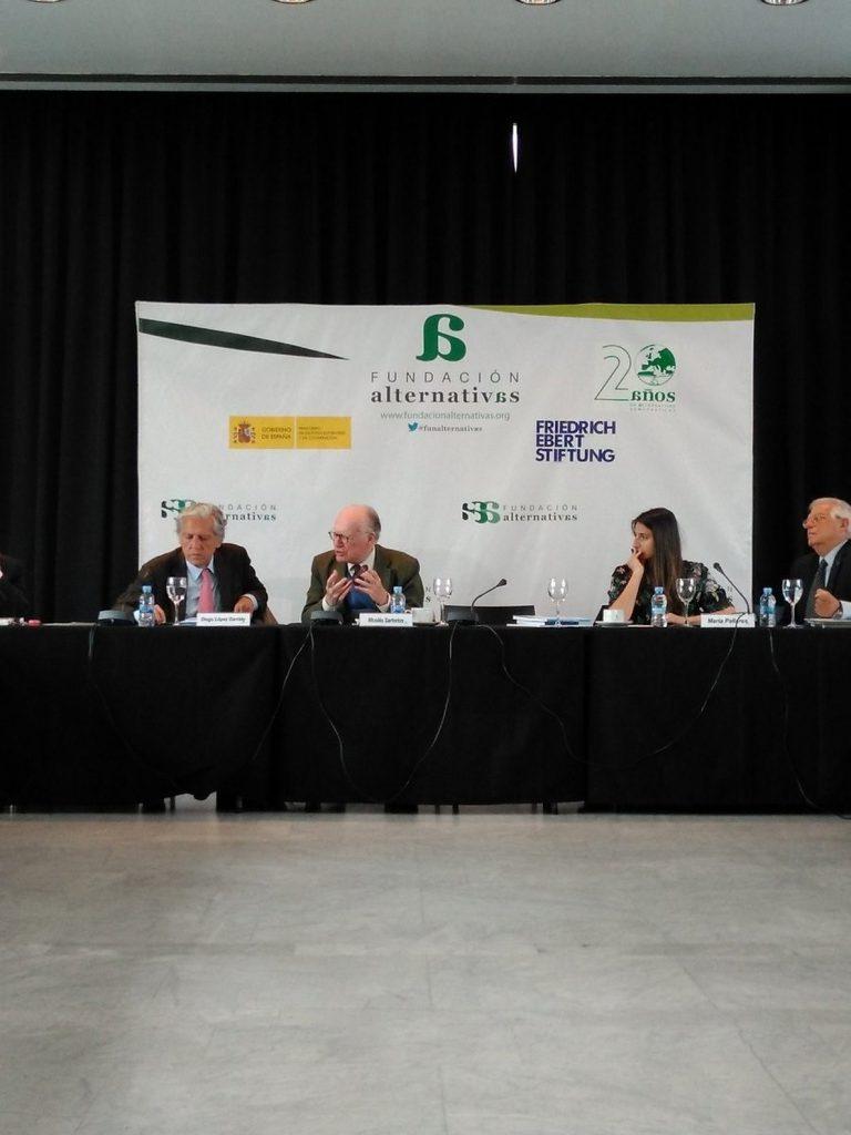 Borrell no comparte la decisión de Mattarella de vetar al gobierno italiano y cree que reforzará el antieuropeísmo