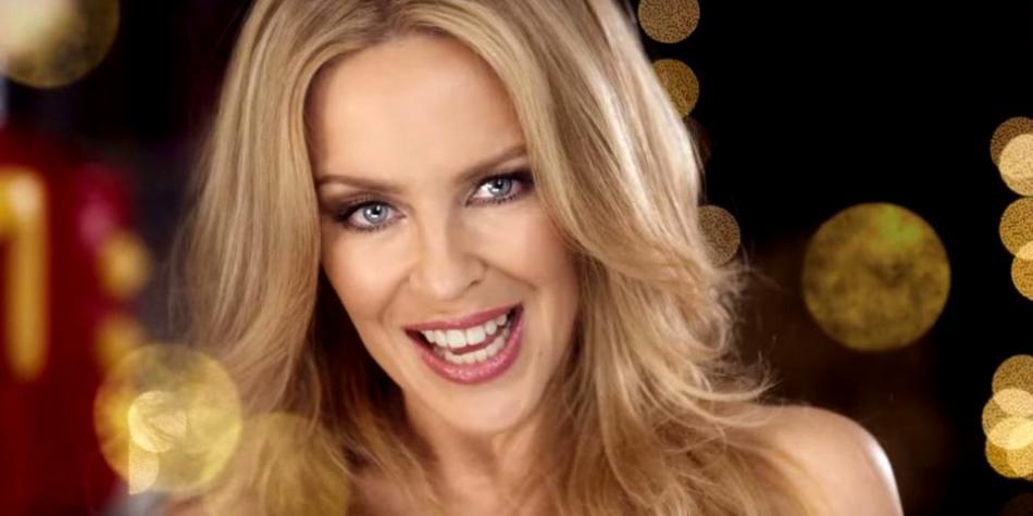 Kylie Minogue cumple 50 años y lo hace desnuda