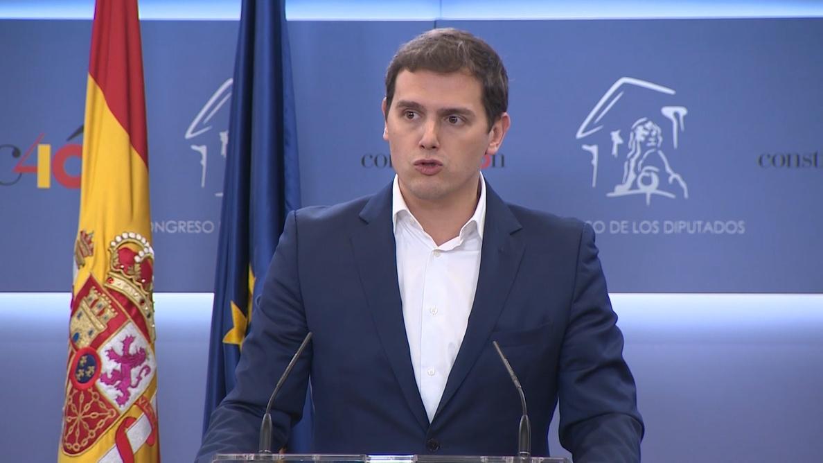 Rivera ve «ingenuo» confiar en el Govern de Torra y pide negociar cómo mantener el 155 en Cataluña