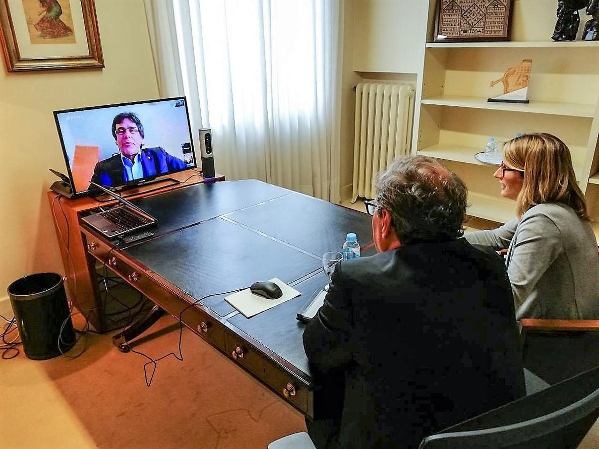 Torra aborda con Puigdemont y el PDeCAT la moción de censura contra Rajoy