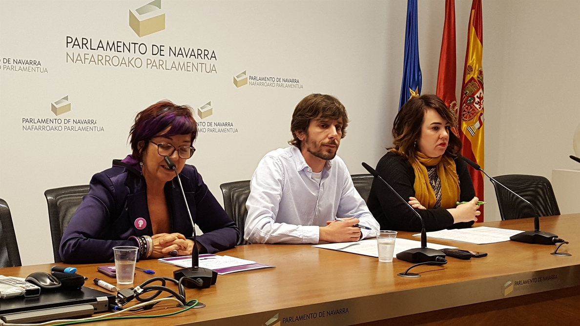 Los tres parlamentarios navarros que se consideran legítimos de Podemos acusan a los críticos de dar un golpe de Estado
