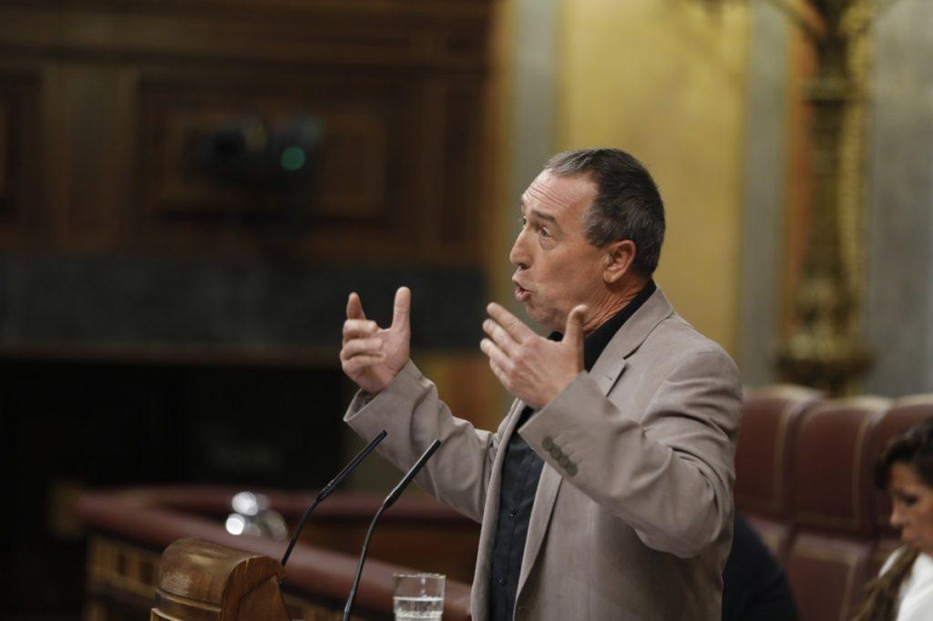 Compromís confirma su apoyo a Sánchez y avisa a Rajoy que está a tiempo de dimitir: «La fiesta terminó»