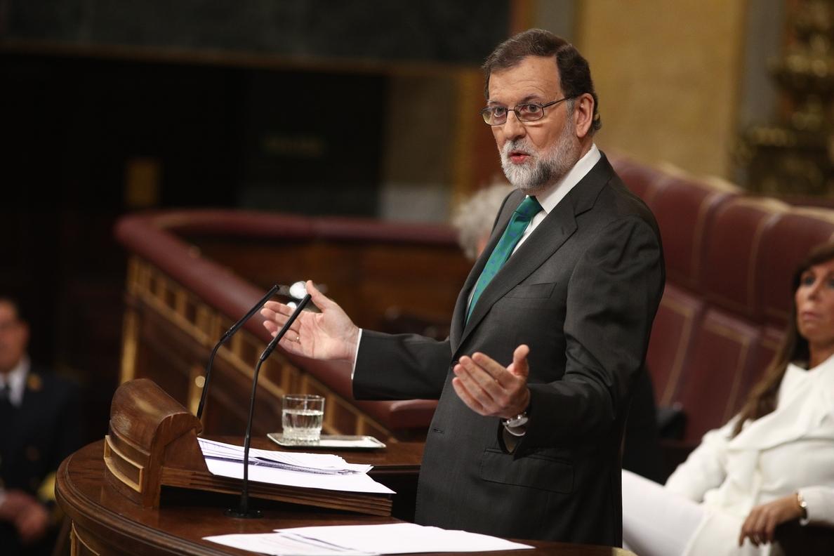 Rajoy ironiza con que Sánchez mantenga los PGE del PP y que Podemos se los tenga que «comer con patatas»
