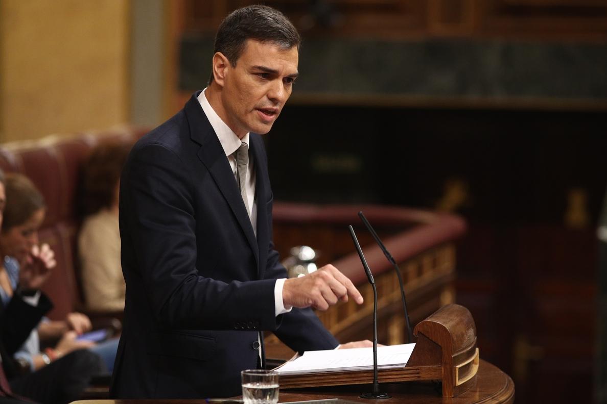 Sánchez se compromete a gobernar con los Presupuestos del PP si prospera la moción