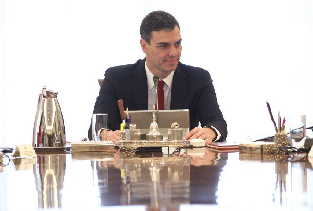 Sánchez anuncia que «pronto» dejará de ser obligatoria la mascarilla en exteriores