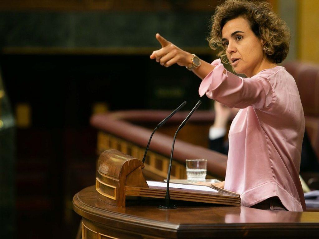 Dolors Montserrat acusa a Sanchéz de «arrodillarse» frente al independentismo «insaciable»