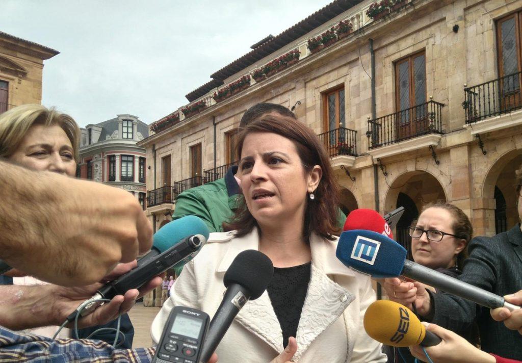 Adriana Lastra (PSOE), sobre las primarias del PP: «Ninguno de los candidatos está libre de polvo y paja»