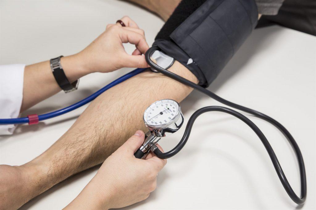 Los casos de hipertensión, diabetes y colesterol se duplican en las últimas tres décadas