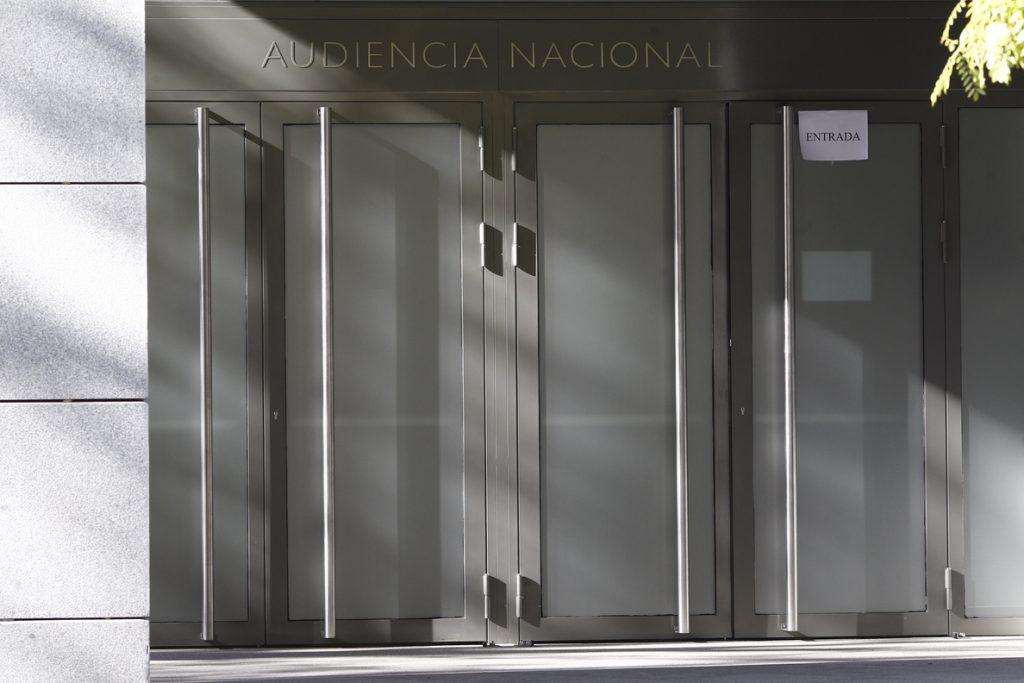 La Audiencia Nacional juzga desde mañana a los exdirectores de la CAM Lopez Abad y Amorós por la venta de preferentes