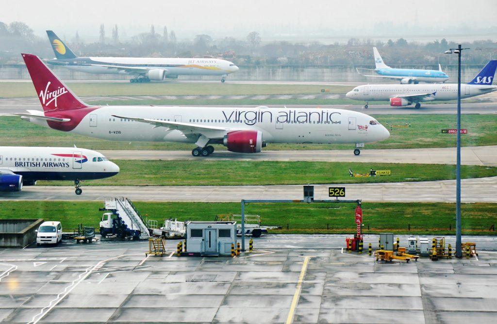 Indra implantará el sistema que gestiona los movimientos de aeronaves en tierra en el aeropuerto de Heathrow