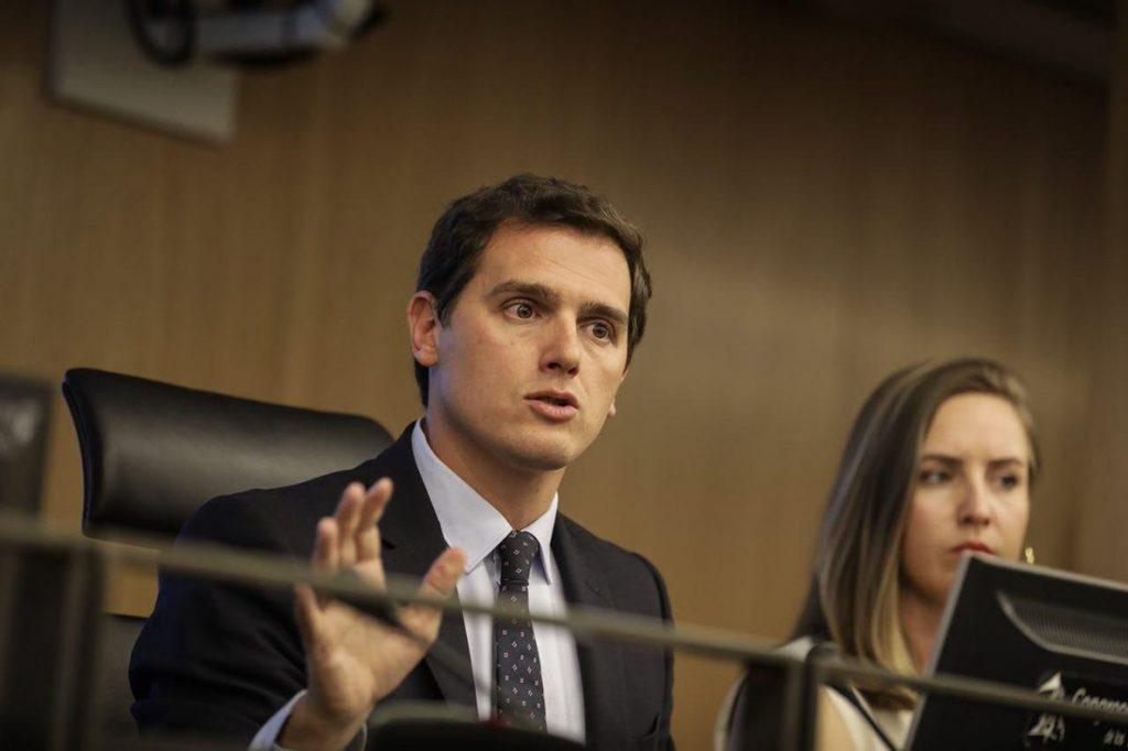 Rivera rechaza que el Gobierno ofrezca dialogar «sin cortapisas» con quienes quieren «dar otro golpe» en Cataluña