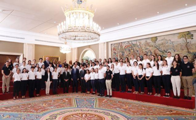 El Rey recibe a los estudiantes del Programa 'Becas Europa' de la Universidad Francisco de Vitoria