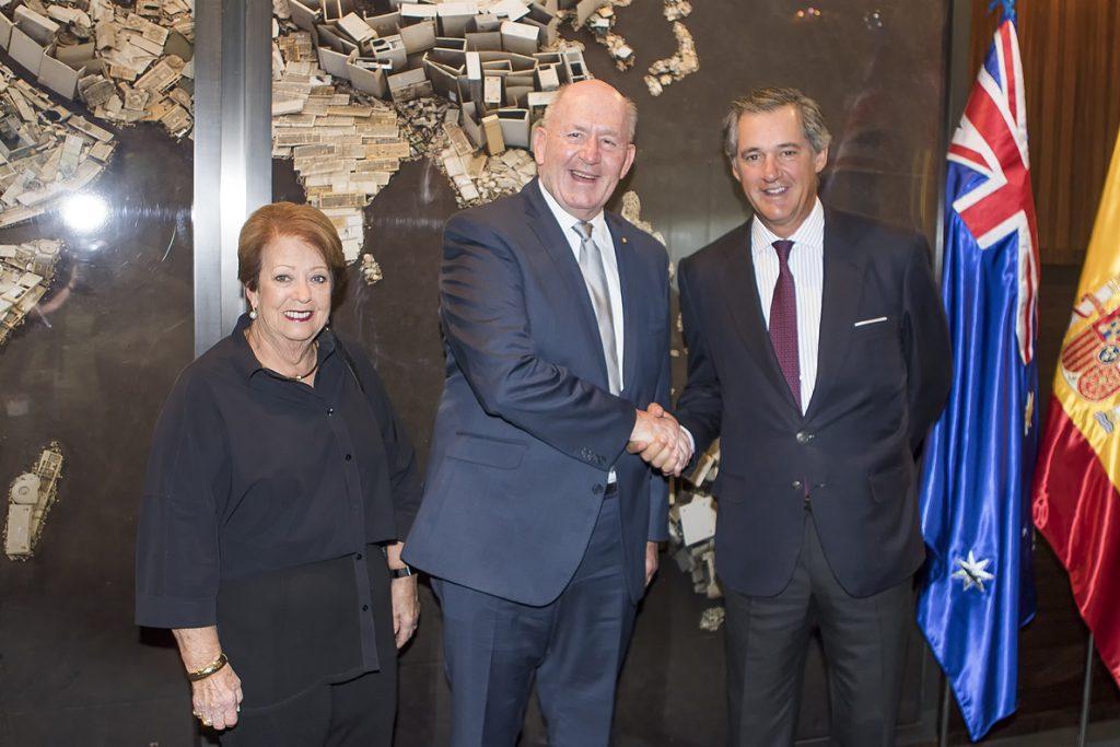 Acciona recibe al gobernador de Australia en el marco de su visita a España