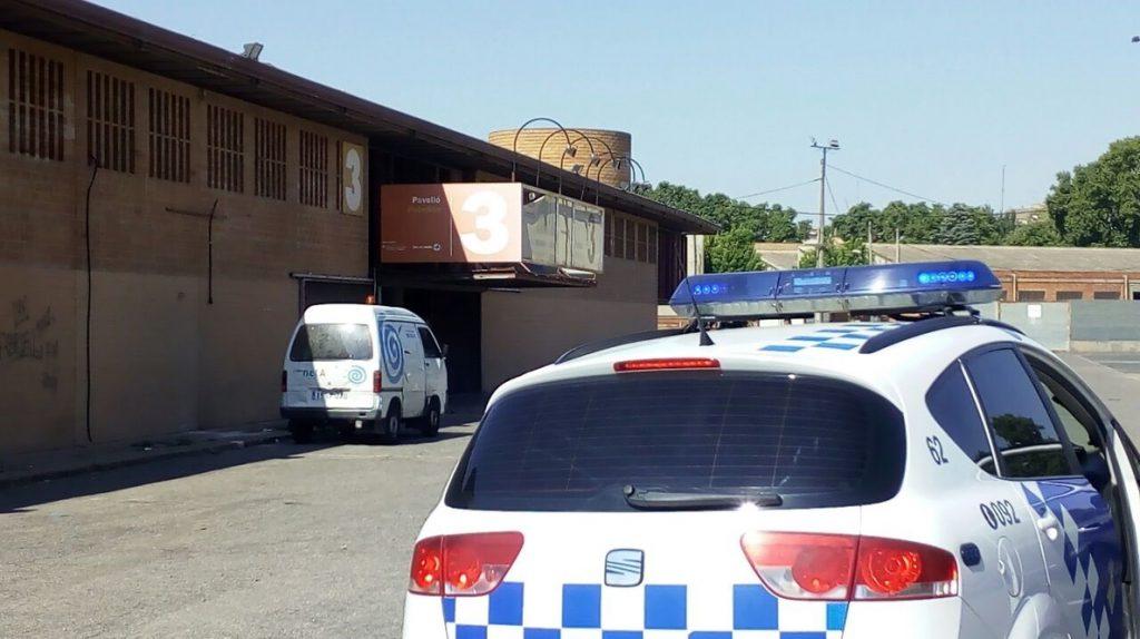 La CUP asegura que el Ayuntamiento de Lleida retira colchones de temporeros que duermen en la calle