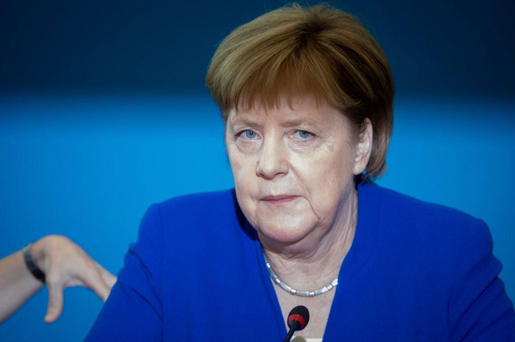Merkel apuesta por preservar unas relaciones «racionales» entre Rusia y la OTAN