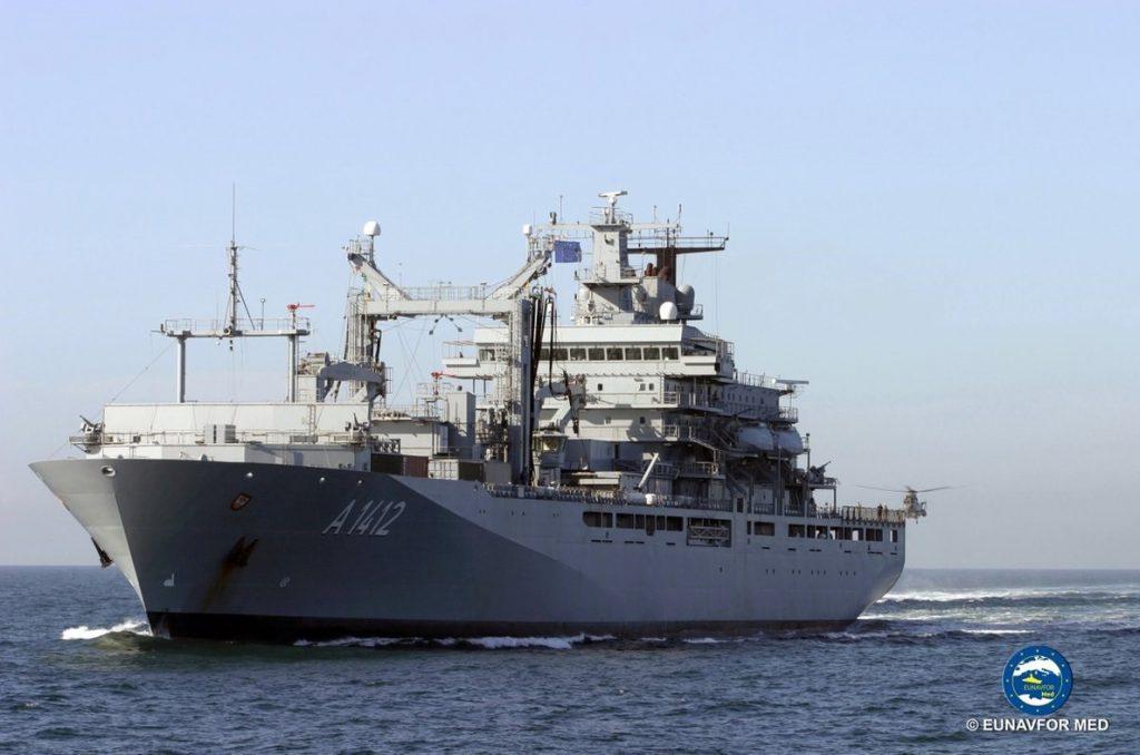 Italia quiere cerrar los puertos también a los inmigrantes rescatados por navíos militares en el Mediterráneo