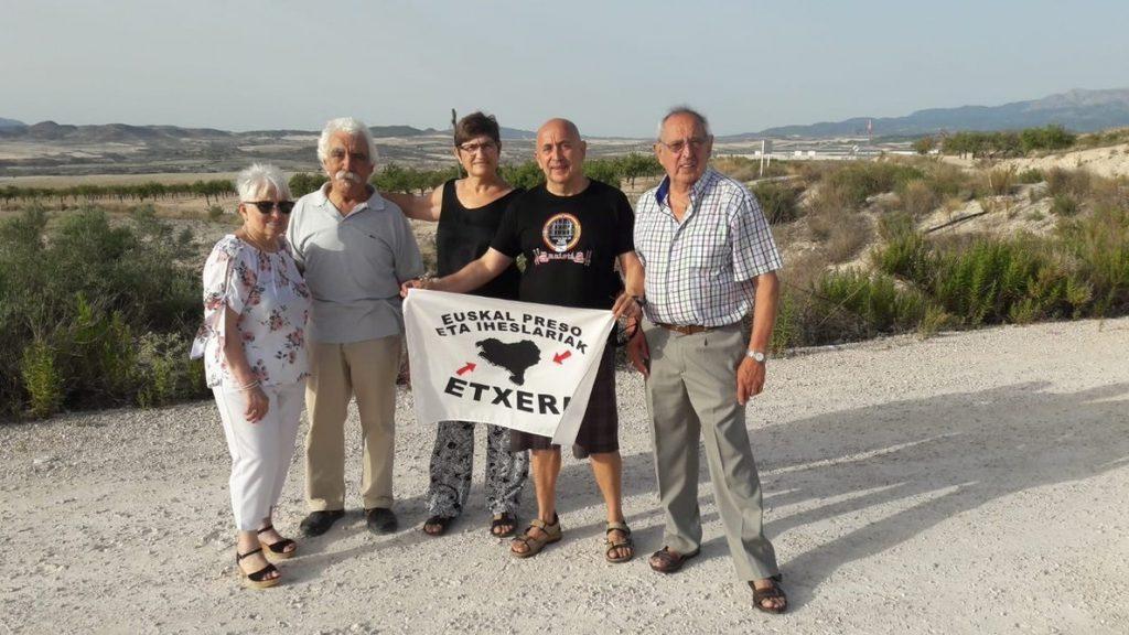 Queda en libertad el preso de ETA Oscar Cadenas tras pasar 18 años en prisión