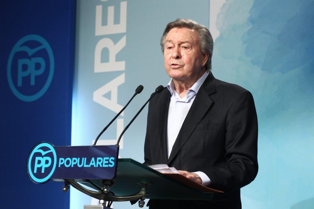 El PP proclama oficialmente candidatos a Santamaría y Casado
