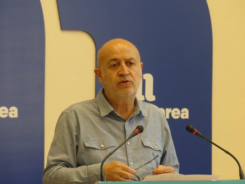 Un diputado de En Marea se desvincula de Podemos como parlamentario y la dirección le obliga a dejar la formación