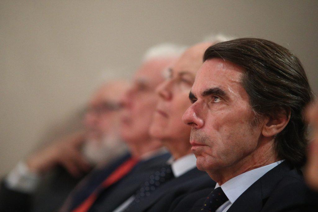 Aznar expresa sus condolencias a la familia de Fernández Albor, «uno de los grandes» que sirvió a España y a Galicia
