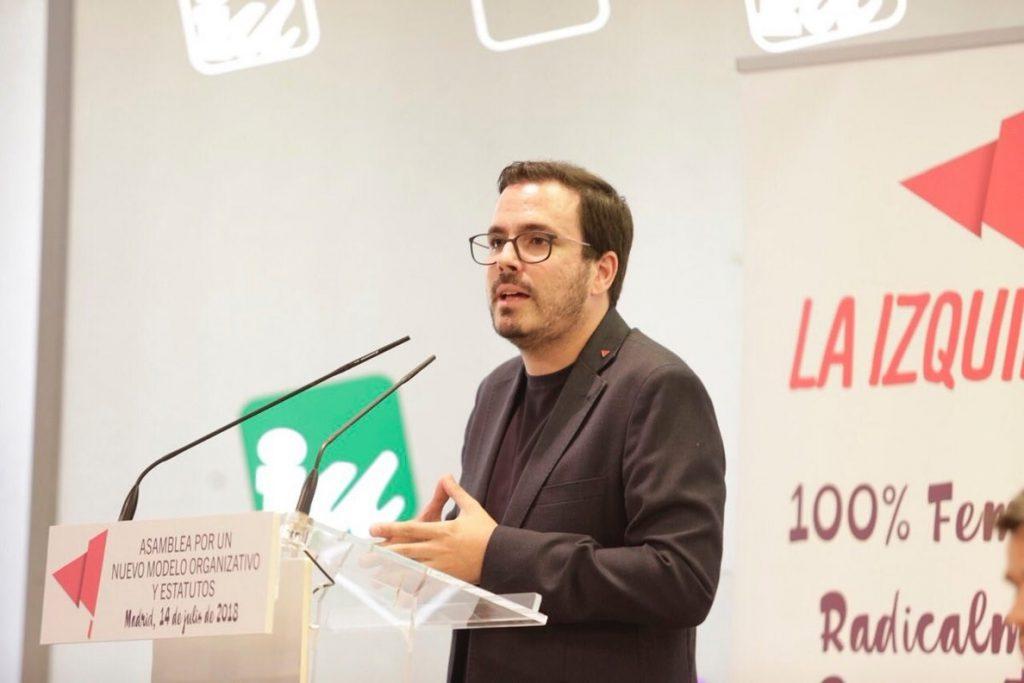 Garzón (IU) pide al PSOE que no «proteja a la monarquía corrupta» y apoye una investigación a Juan Carlos I