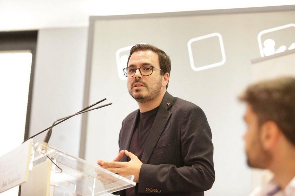 Garzón defiende de las críticas la reforma interna de IU asegurando que el fin es «seguir sumando» gente
