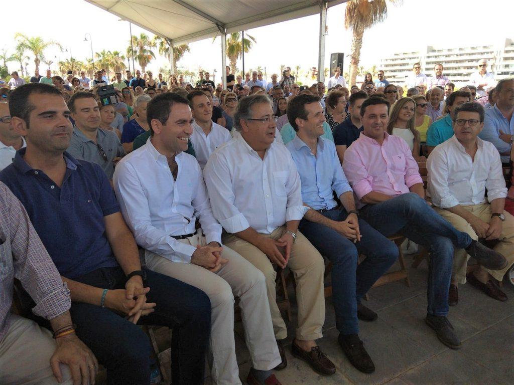 Zoido traslada su apoyo a Casado porque «el PP necesita renovación» y «recuperar la ilusión» de los votantes