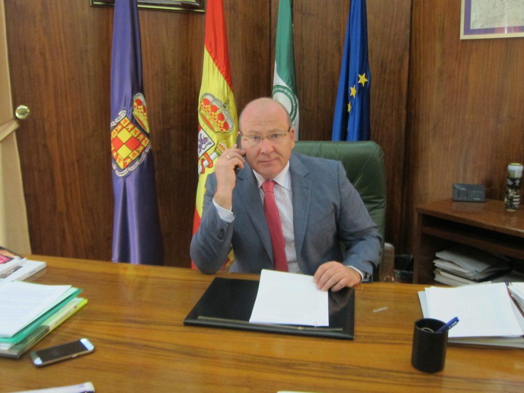 El alcalde de Jaén apoya a Casado porque «representa ilusión, cambio, unidad, renovación y valores»