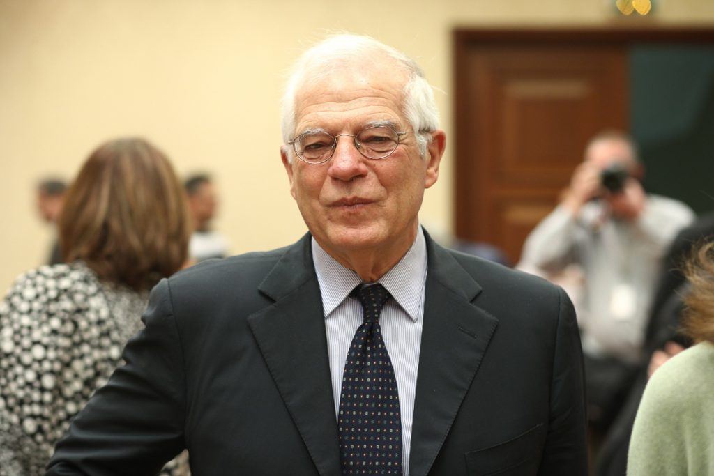 Borrell rechaza entrar en una «guerra de tuits» con Trump y dice que la UE apuesta por una «actitud lineal»