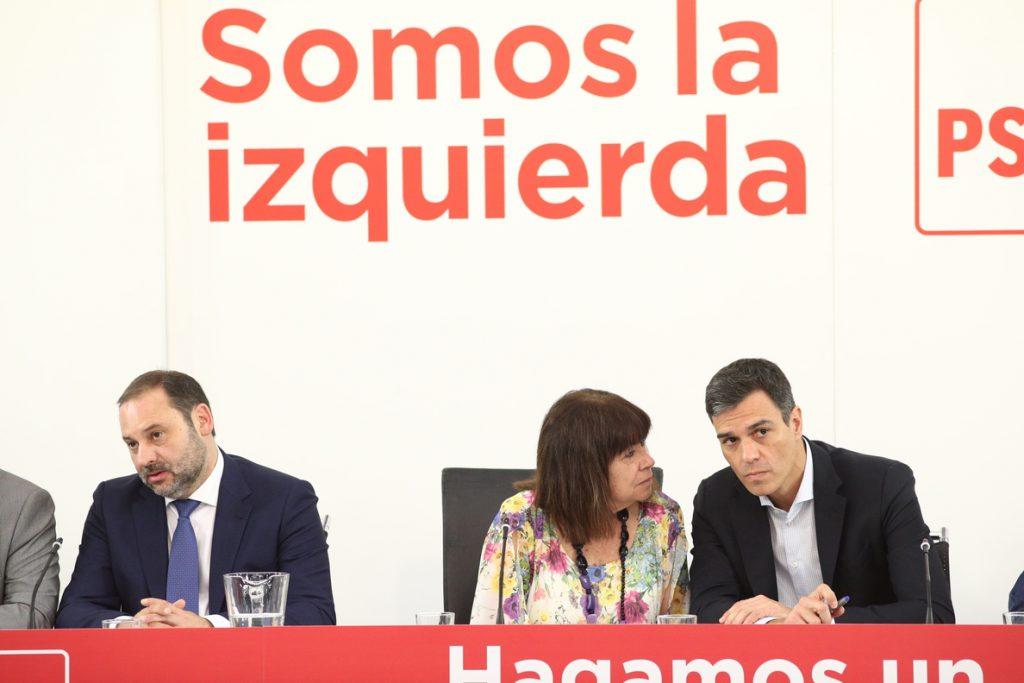 El PSOE dice que tramitar la exhumación de Franco «exige cierto tiempo», pero que no hay ningún problema