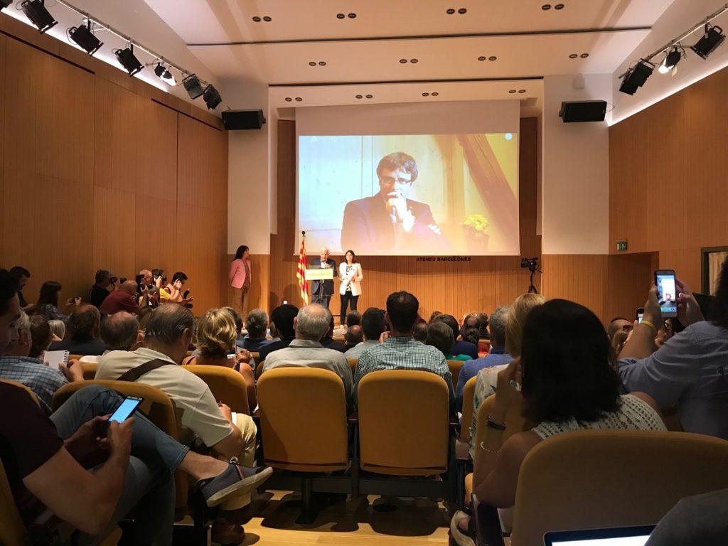 Puigdemont llama a la unidad en su proyecto Crida Nacional para «cristalizar» la república