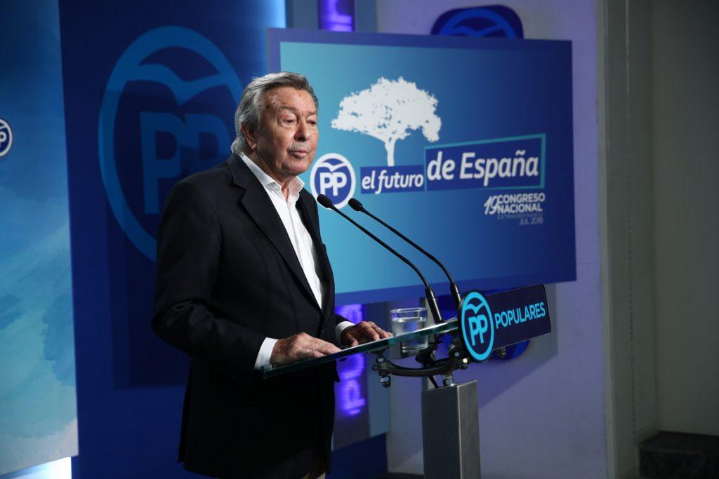 El comité organizador del congreso dice que el vídeo contra Santamaría «hace mucho daño» al PP y pide ejemplaridad