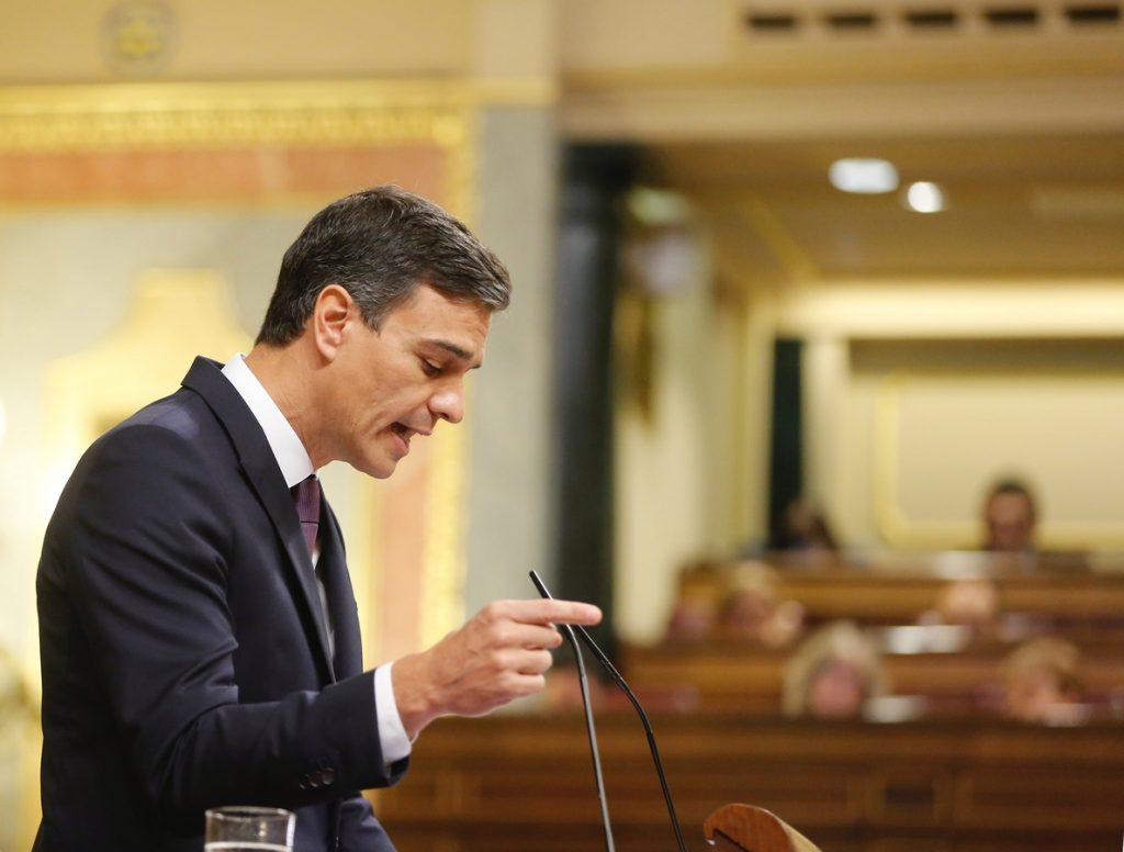 (AM)El Gobierno aprobará el viernes la nueva senda de déficit y permitirá a las comunidades 2.400 millones más